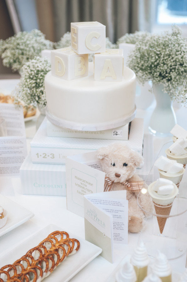 ALL WHITE BABY SHOWER-cake