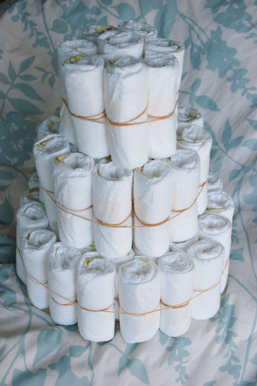 ALL WHITE BABY SHOWER-diaper cake3