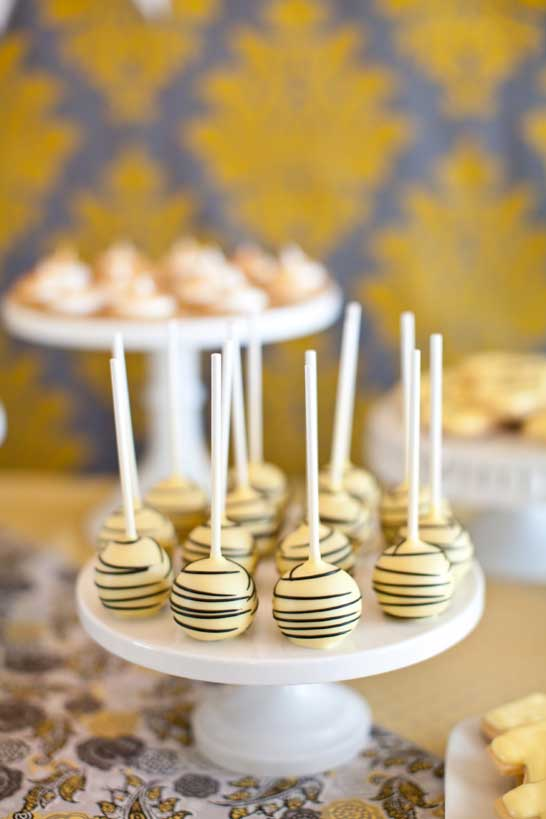 bee-baby-shower-cakepops