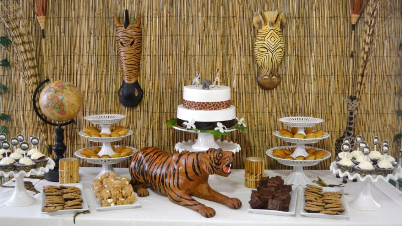 Tier Diaper Cake Tiger Monkey Giraffe Jungle Zoo Safari Baby Shower Centerpiece