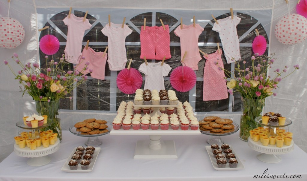 Clothesline baby shower ideas baby ideas for Baby clothesline decoration
