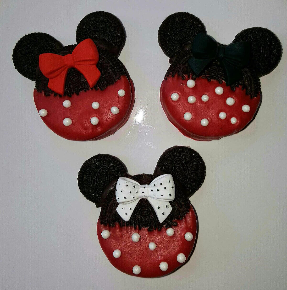 Minnie Mouse Disney Chocolate Covered Oreo Cookies