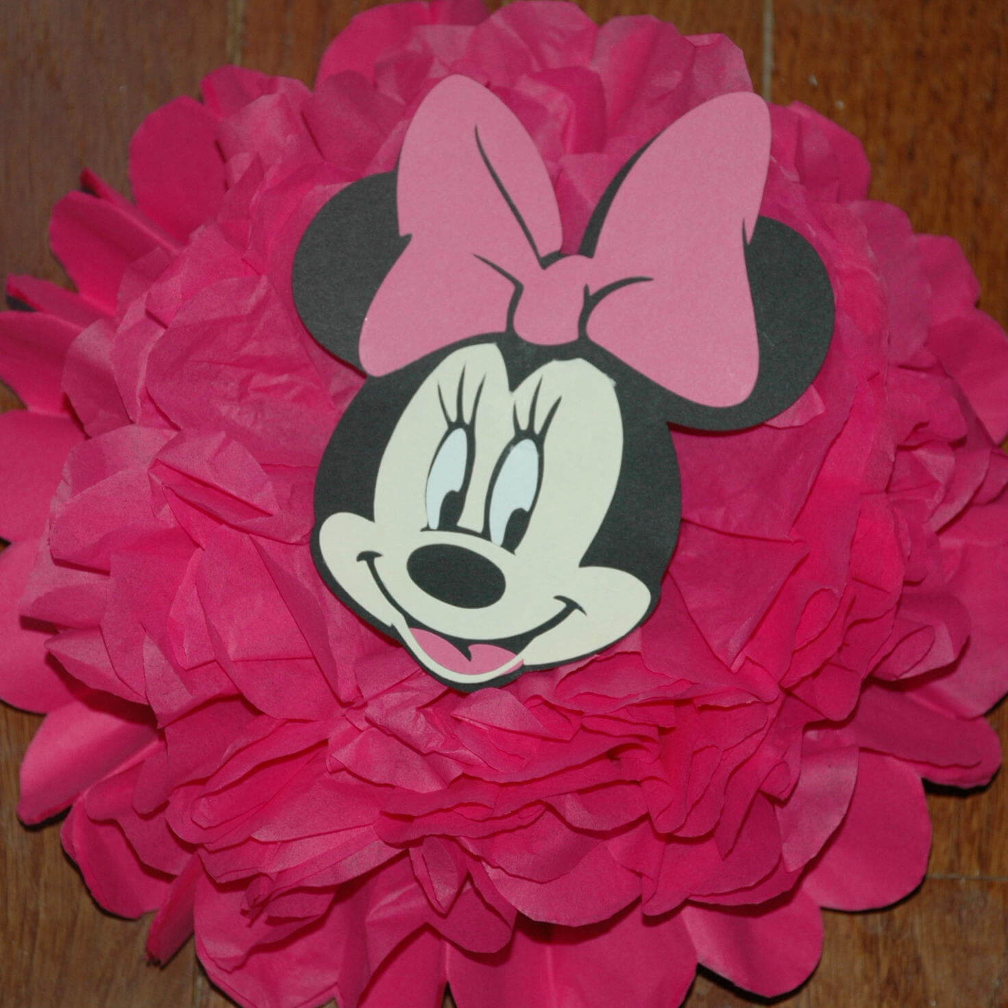 Minnie Mouse Disney baby shower decorations
